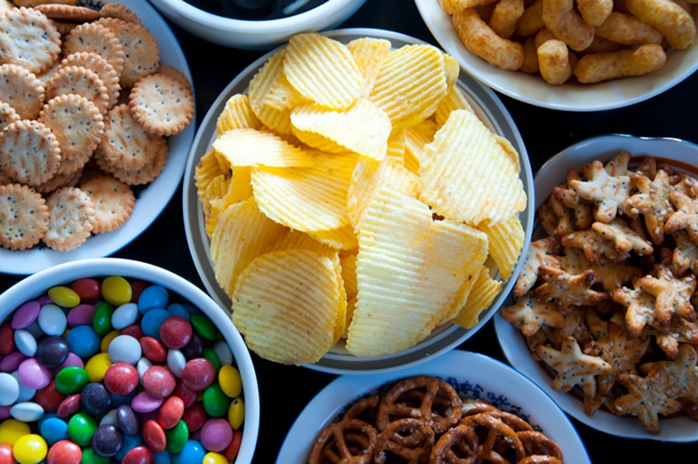 7-signs-you're-not-getting-enough-protein-Craving-sweet-and-salty-foods