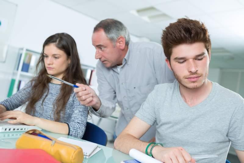 students-at-the-informatics-and-programming