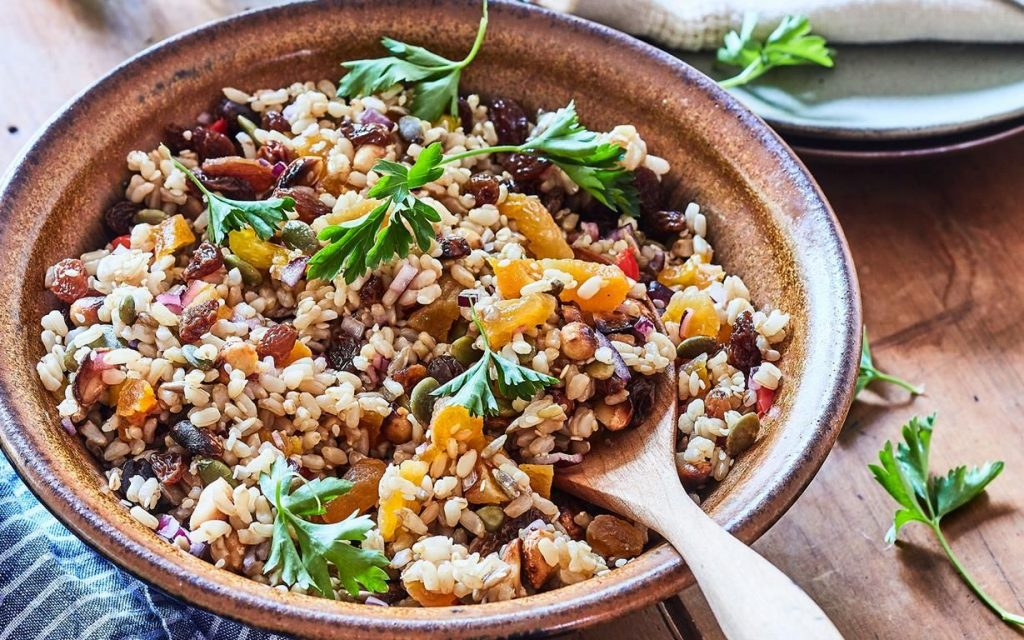 Brown rice and salad